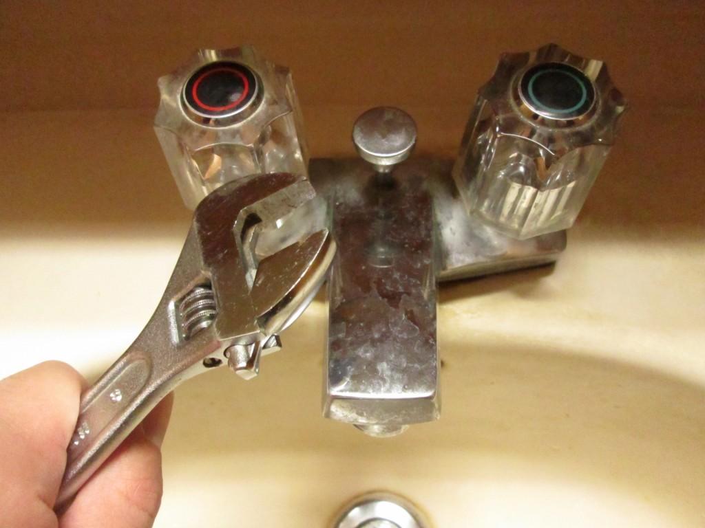 蛇口 水漏れ 修理費用