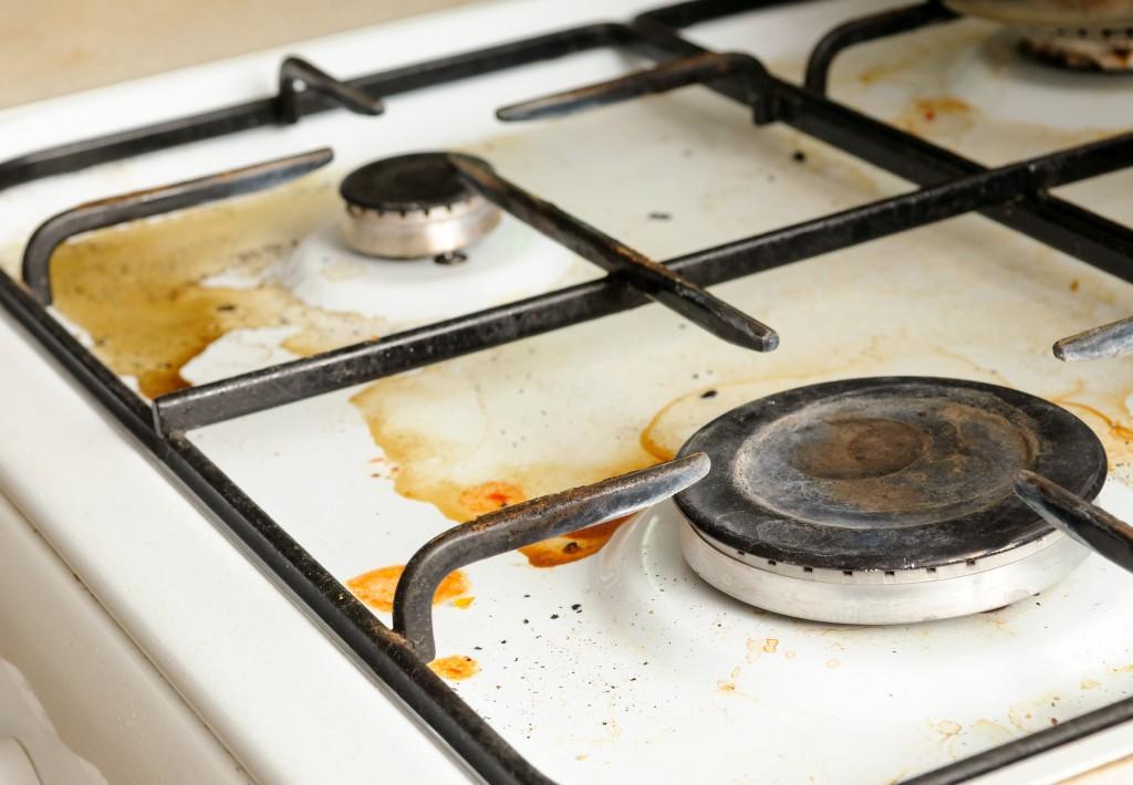 キッチン 油汚れ 掃除方法